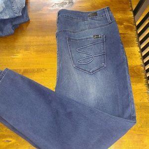 Seven7 jeans size 18w super soft